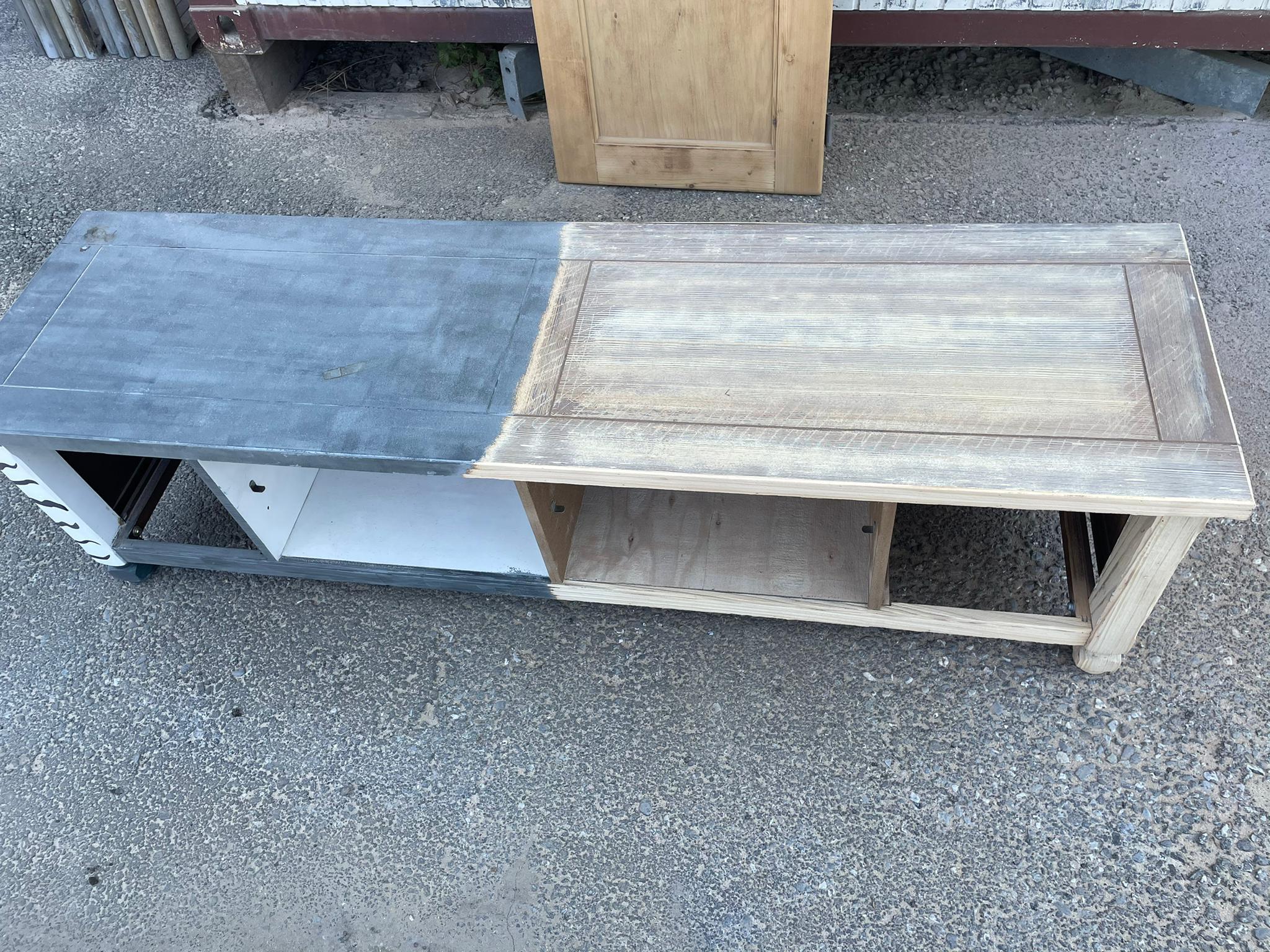 Micro-sablage d'un meuble en bois 2